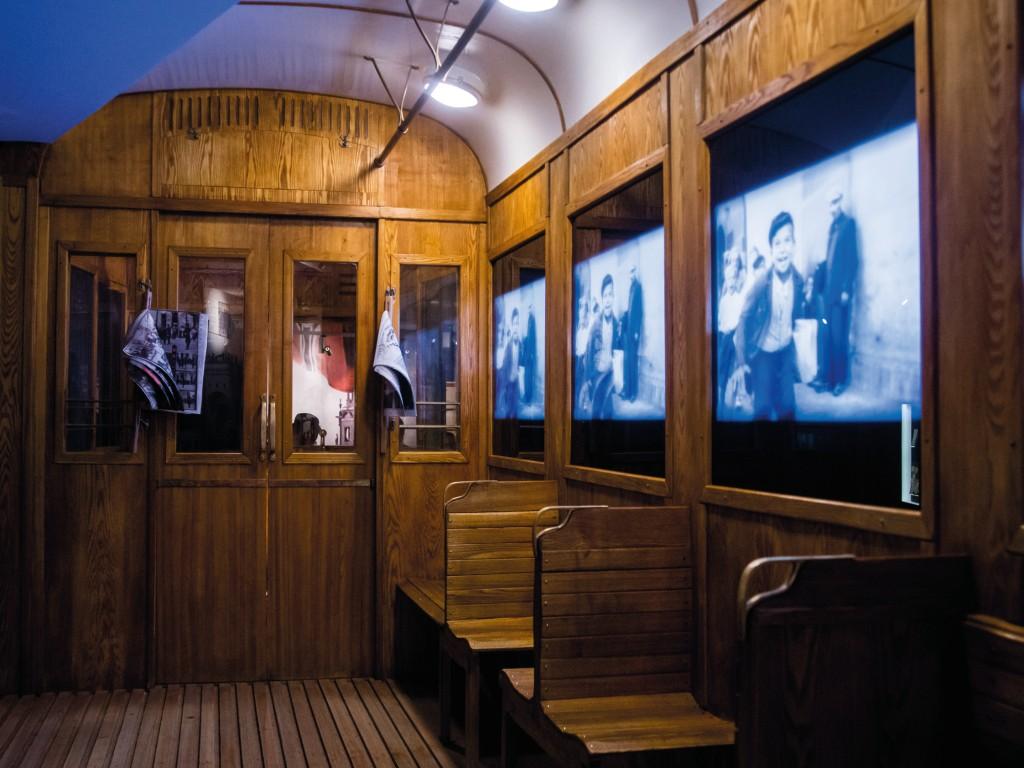 121 -Schindler's Museum English Tour