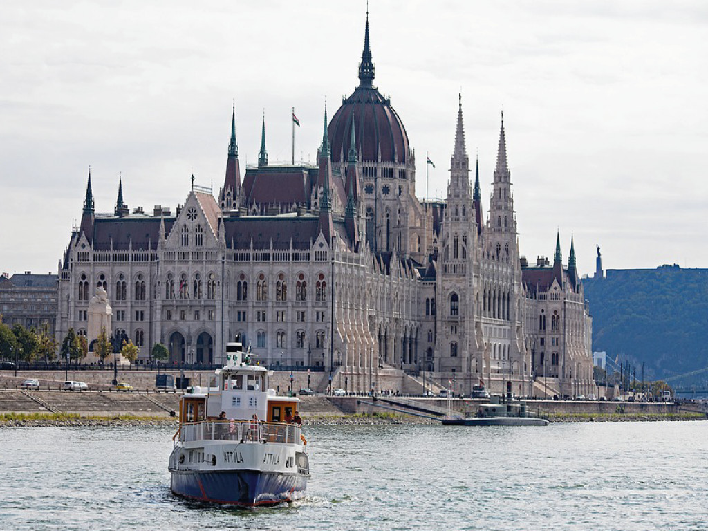Danube Cruise + Lunch (14:00h)